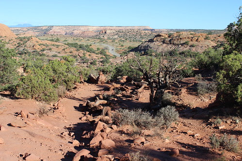 IMG_2423_Trail_Down_from_Upheaval_Dome_Island_in_the_Sky_Canyonlands_NP