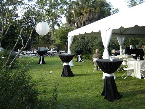 Springtime decorating ideas, simple outdoor wedding