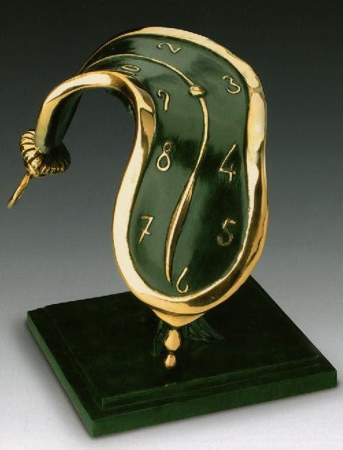 Danza del tiempo II.  Escultura de bronce de Salvador Dalí