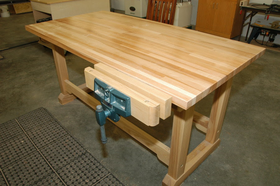 Woodworking bench w/