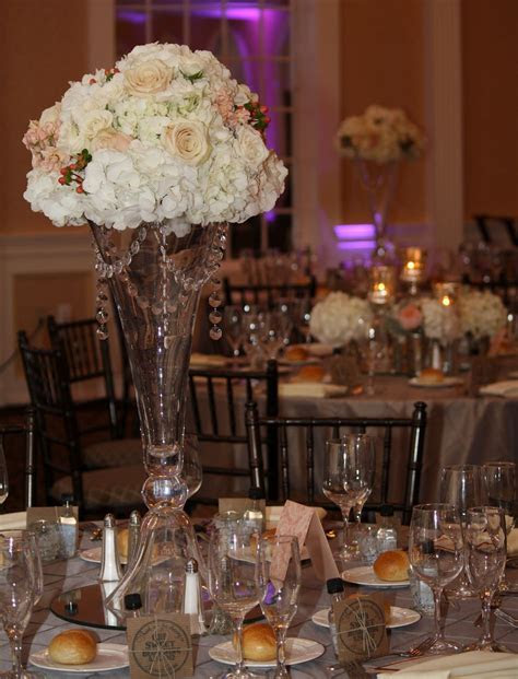 Tall Vase Wedding Centerpieces   Wedding Reception Table