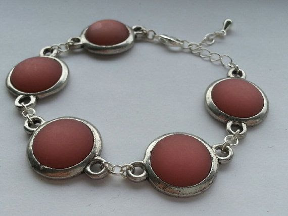 Dark salmon colored bracelet by BeadingFactory on Etsy, €12.50