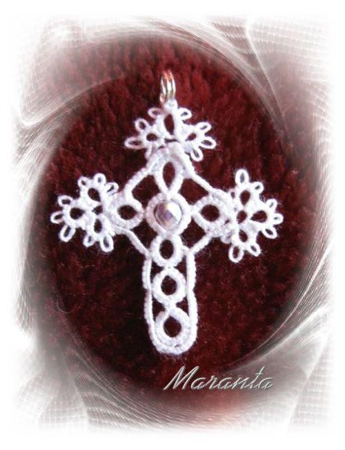 krzyż frywolitkowy