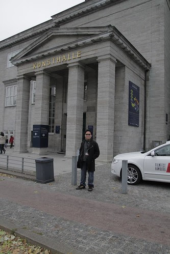 in front of Kunsthalle Hamburg