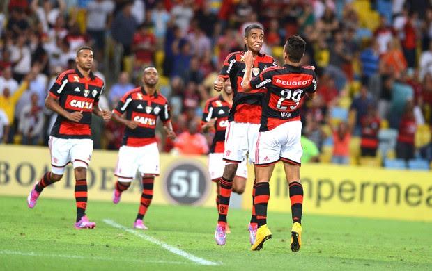 Gabriel e Nixon, comemoração do Flamengo contra o Internacional (Foto: Andre Durão)