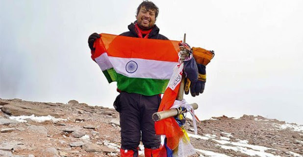 35 YO Mountaineer Satyarup Siddhanta Becomes The Youngest To Climb 7 Highest Peaks And Volcanic Summits