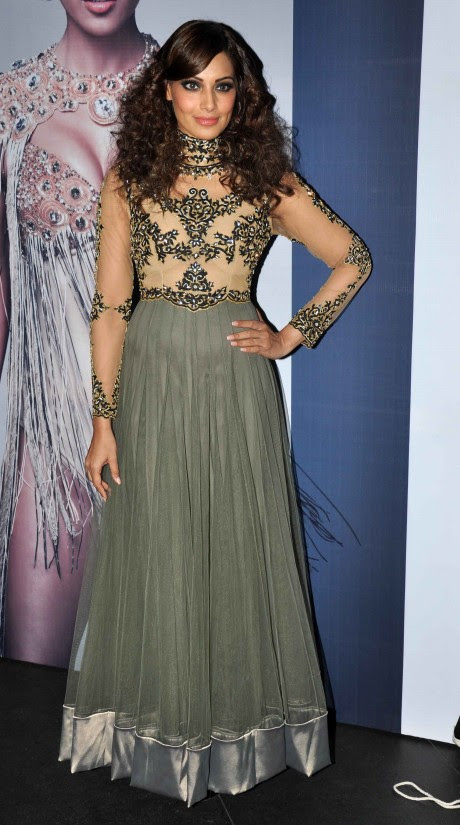Bipasha-Basu-At-Announcement-of-IRFW-India-Fashion-Awards-Pictures-Photos-