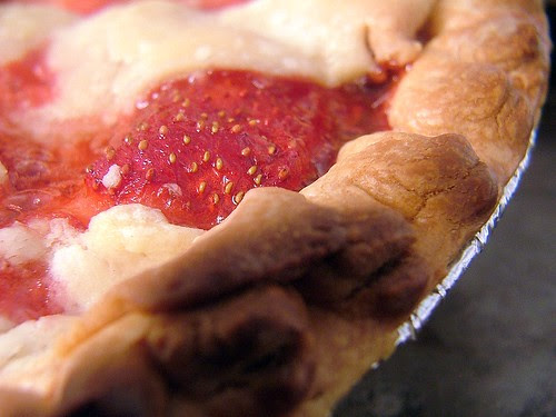 Mama's Fresh Strawberry Pie
