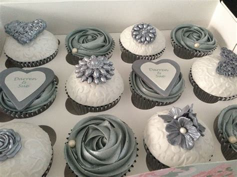silver wedding cupcakes, so awesome (Best Wedding and