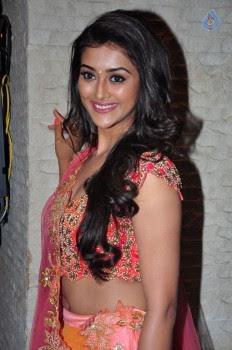 Pooja Jhaveri Photos - 20 of 42