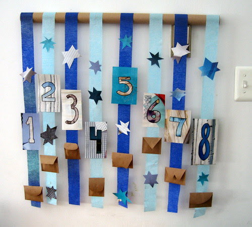 Hanukkah - Advent Streamers w/ Gelt Envelopes