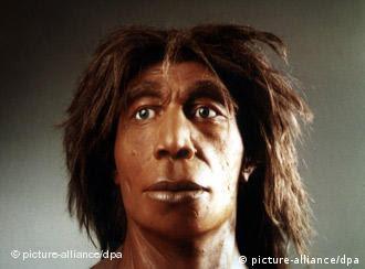 تصویر بازسازی شده سر یک انسان (مونث) نخستین