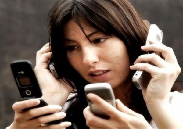 Ο μέσος χρήστης smartphone χρησιμοποιεί τη συσκευή του πάνω από 1.500 φορές