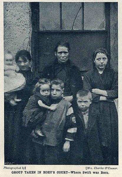 File:Dublin Slum dwellers 1901.jpg