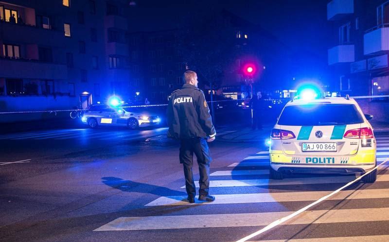 Politi-afspærringer ved gerningssteder på Frederiksberg. Foto: Kenneth Meyer