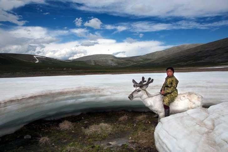mongolia_reindeer_tribe_9