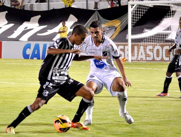 lance de jogo entre Ceará e ABC (Foto: Frankie Marcone / Futura Press)