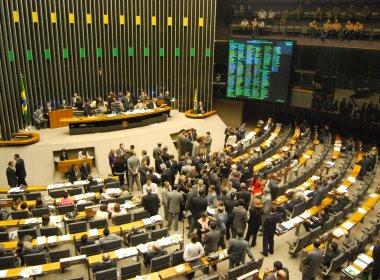Deputados baianos prometem votar pela extinção dos 14º e 15º salários