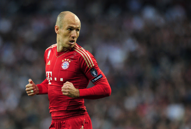 MADRID, SPAIN - APRIL 25:  Arjen Robben of Bayern Munich  looks on during the UEFA Champions League Semi Final second leg between Real Madrid CF and Bayern Munich at The Bernabeu Stadium on April 25, 2012 in Madrid, Spain.  (Photo by Shaun Botterill/Getty Images)