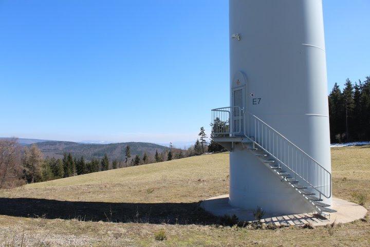 Les paysages de Lozère sous la pression des éoliennes industrielles