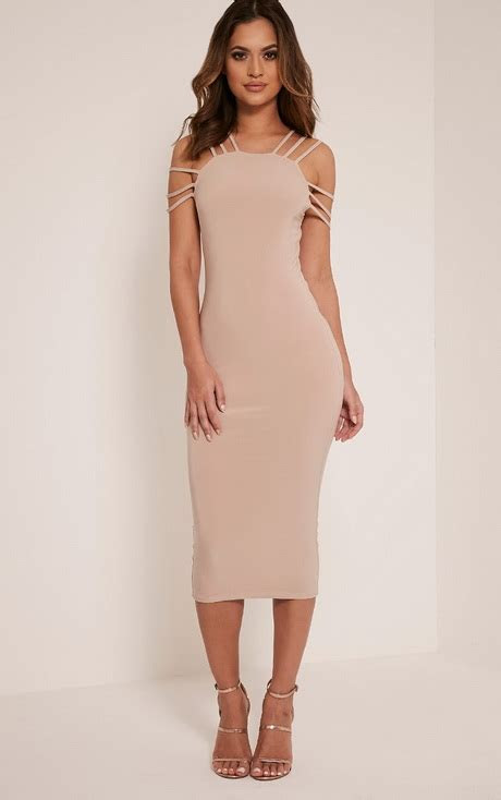 Fitted dress for wedding guest