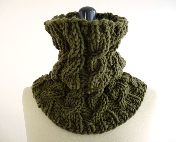 Chunky Cabled Neck Wrap in Merino Blend