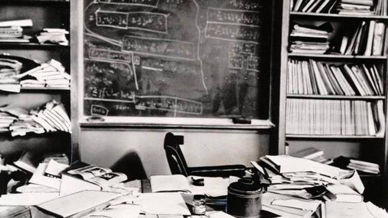 Einstein's                                                            desk after he                                                            died