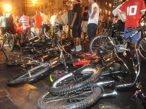 Atropelamento coletivo de ciclistas ocorreu em fevereiro de 2011 (Foto: Ricardo Duarte/Agência RBS)