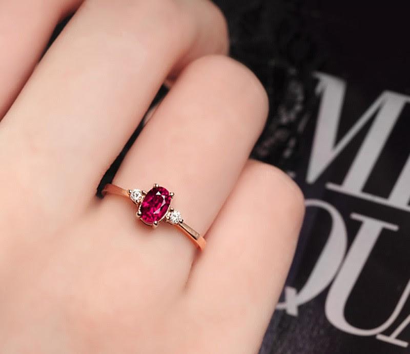 Resultado de imagen para engagement ring ruby diamond and rose gold