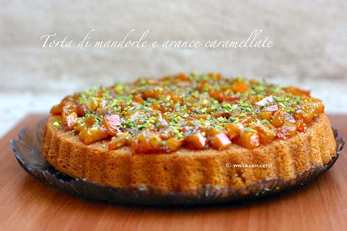 Torta di mandorle e arance caramellate