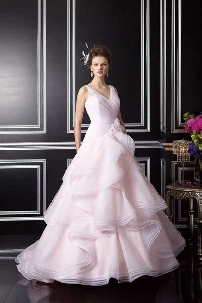 Jessica Biel's Wedding Gown: Revealed!   BridalGuide