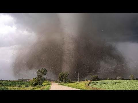 Mengejar Tornado dari Jarak Dekat Bersama Para Tornado Chaser