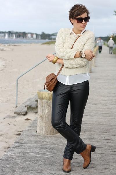 Bruno-premi-boots-primark-bag-leather-3-suisses-pants-primark-blouse_400