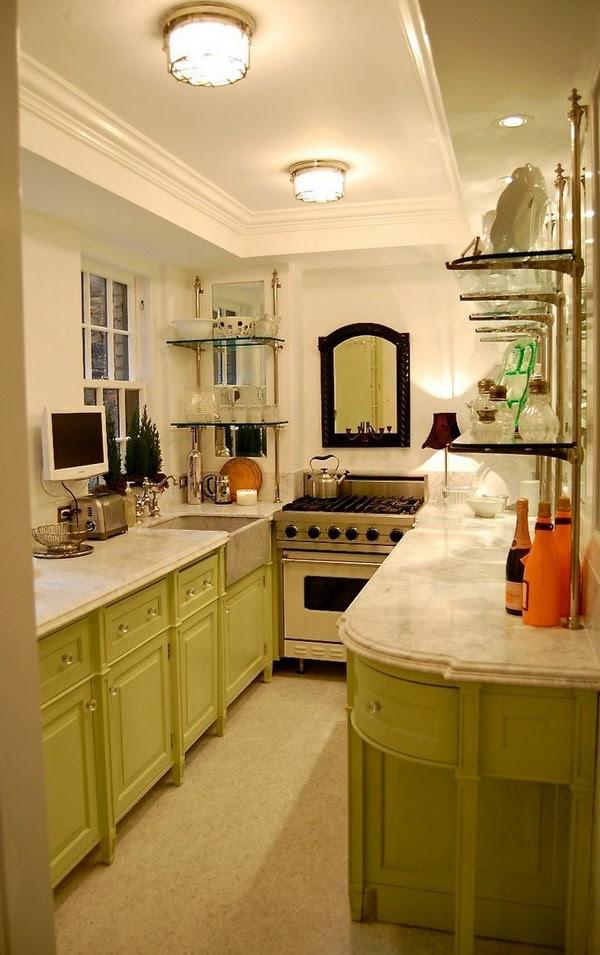 Galley kitchen - Decor Around The World