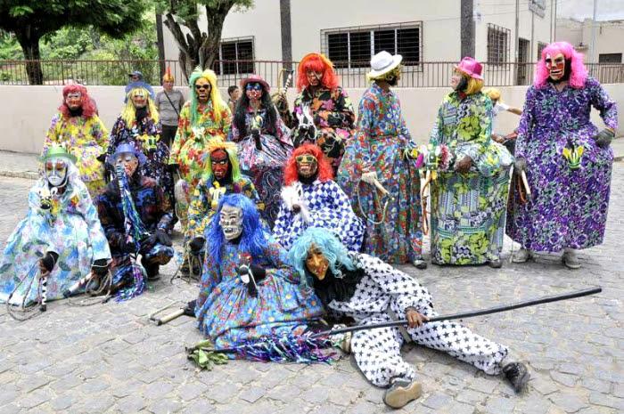 Festa reúne trabalhadores rurais vestidos de burrinhas para manter a tradição. Foto: Naéliton Souza/Divulgação (Festa reúne trabalhadores rurais vestidos de burrinhas para manter a tradição. Foto: Naéliton Souza/Divulgação)