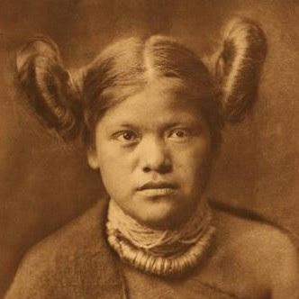 Hairwebde Frisuren Der Indiane Bärenfett Und Biberschwanz Zöpfe