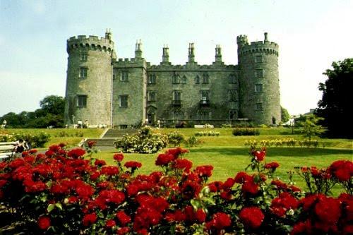 castle.jpg (47986 bytes)