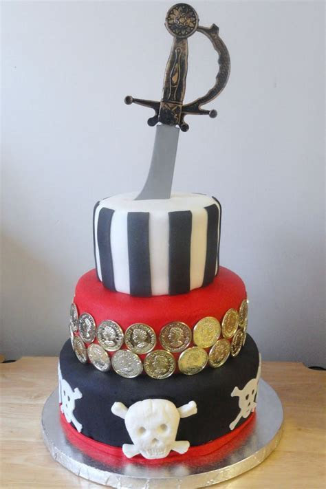 3 tier pirate cake