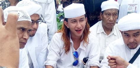 habib bahar smith  diperiksa bareskrim kamis mendatang