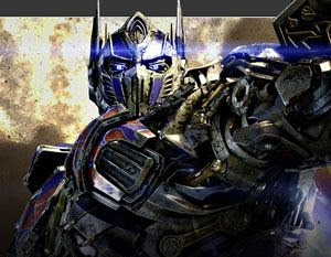 Optimus Prime returns to the big screen in TRANSFORMERS: AGE OF EXTINCTION.
