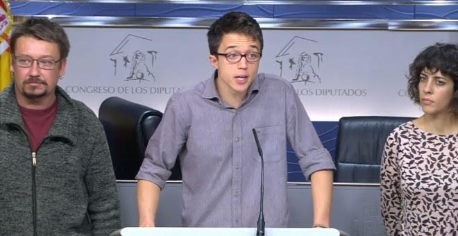 Iñigo Errejón. Xavier Domènech y Alexandra Fernández, en la rueda de prensa tras el registro del grupo de Podemos en el Congreso.
