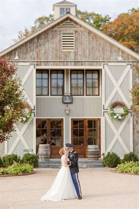 Elegant Farm Barn Wedding Venue in Virginia. Fall Wedding