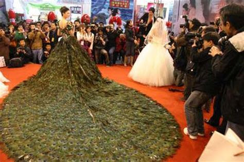 Strut Worthy Wedding Gowns: Incredible $1.5 Million Dress