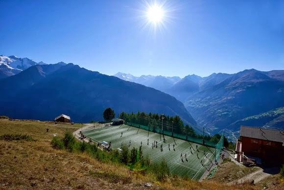 perierga.gr - Αθλητικά κέντρα σε ασυνήθιστες τοποθεσίες!