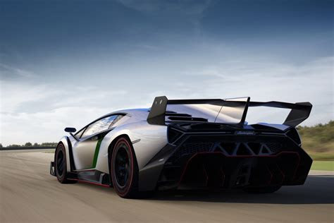 Lamborghini Veneno and Its Huge Rear Wing Officially Revealed, See it on Video   Owner Manual PDF