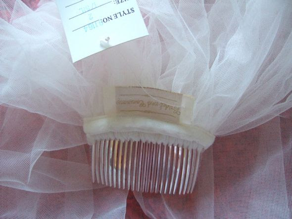 NWT!  2-Tier Bridal Company Beaded Veil with comb! :  wedding DSCF4571