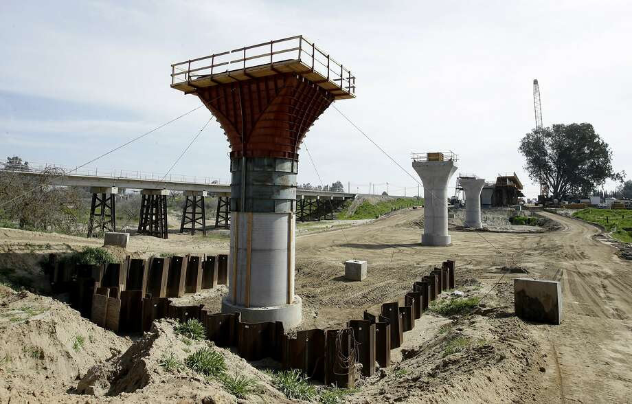 Supports for a 1,600-foot-viaduct to carry high-speed rail trains across the Fresno River are seen under construction near Madera. Photo: Rich Pedroncelli, AP