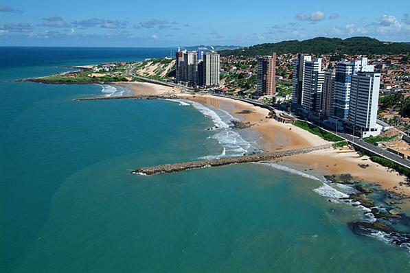 Resultado de imagem para praia areia preta natal