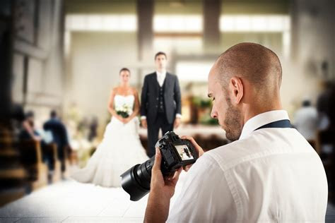 How To Save Money On Your Wedding Photographer   Thrifty