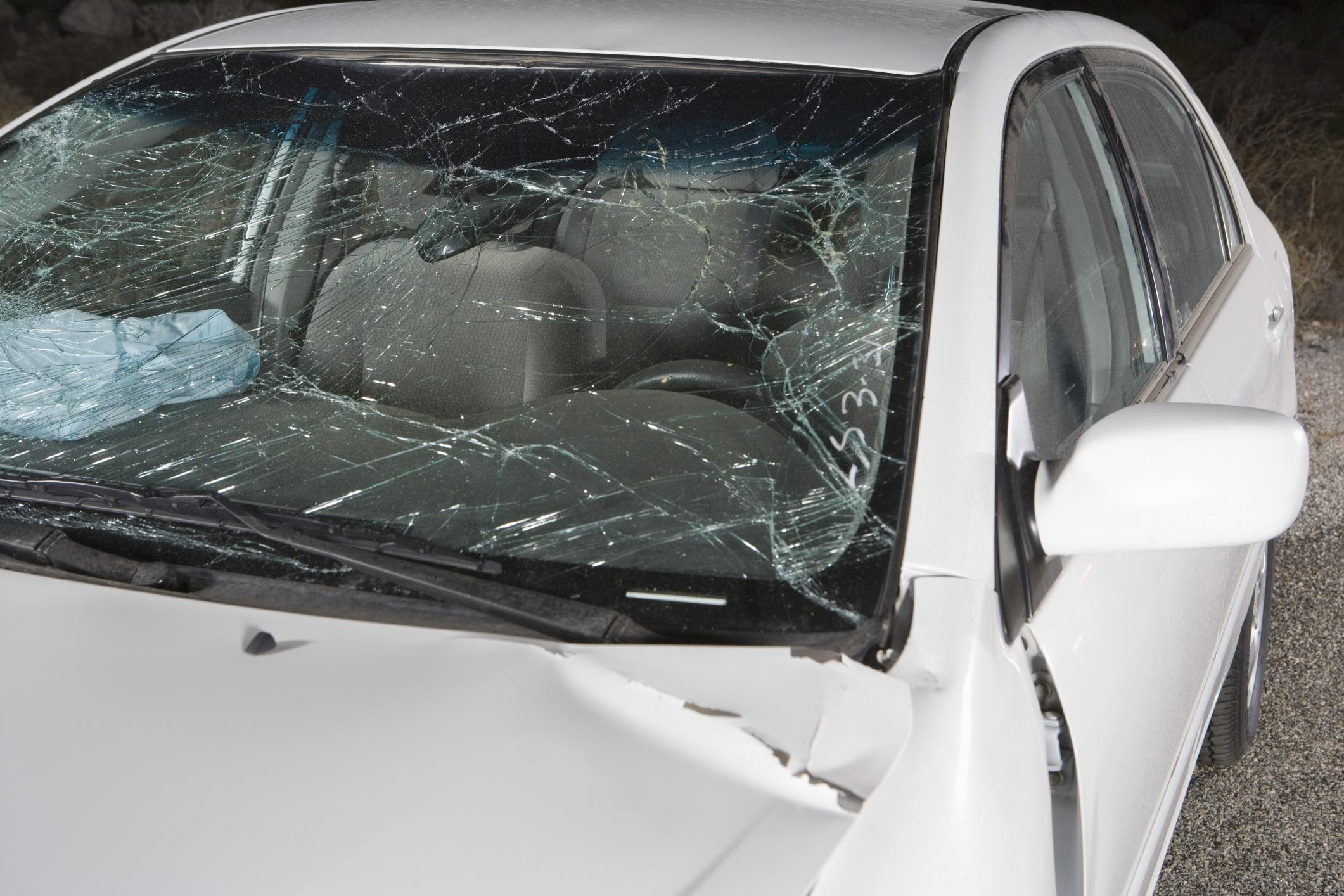 How Dangerous Is A Cracked Windshield